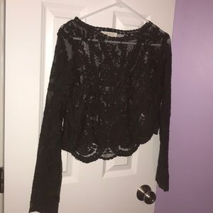 Crop lace shirt